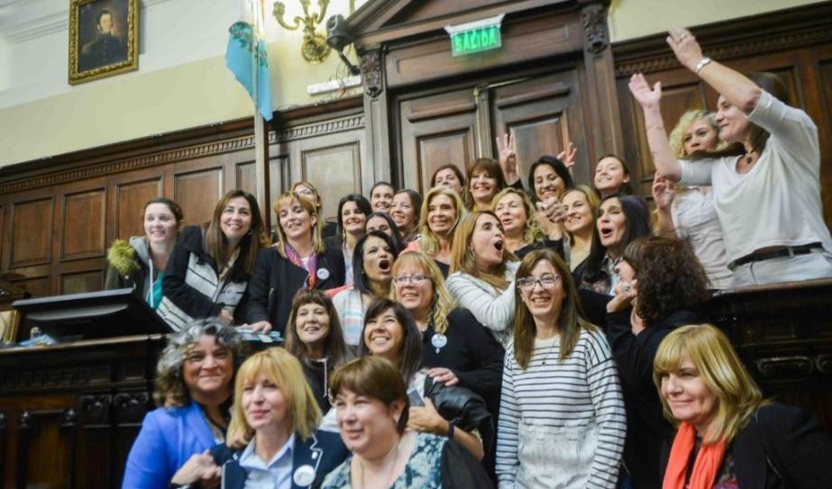"""""""Hay que sentar en la mesa de negociación a las mujeres, para escucharlas de igual a igual"""""""