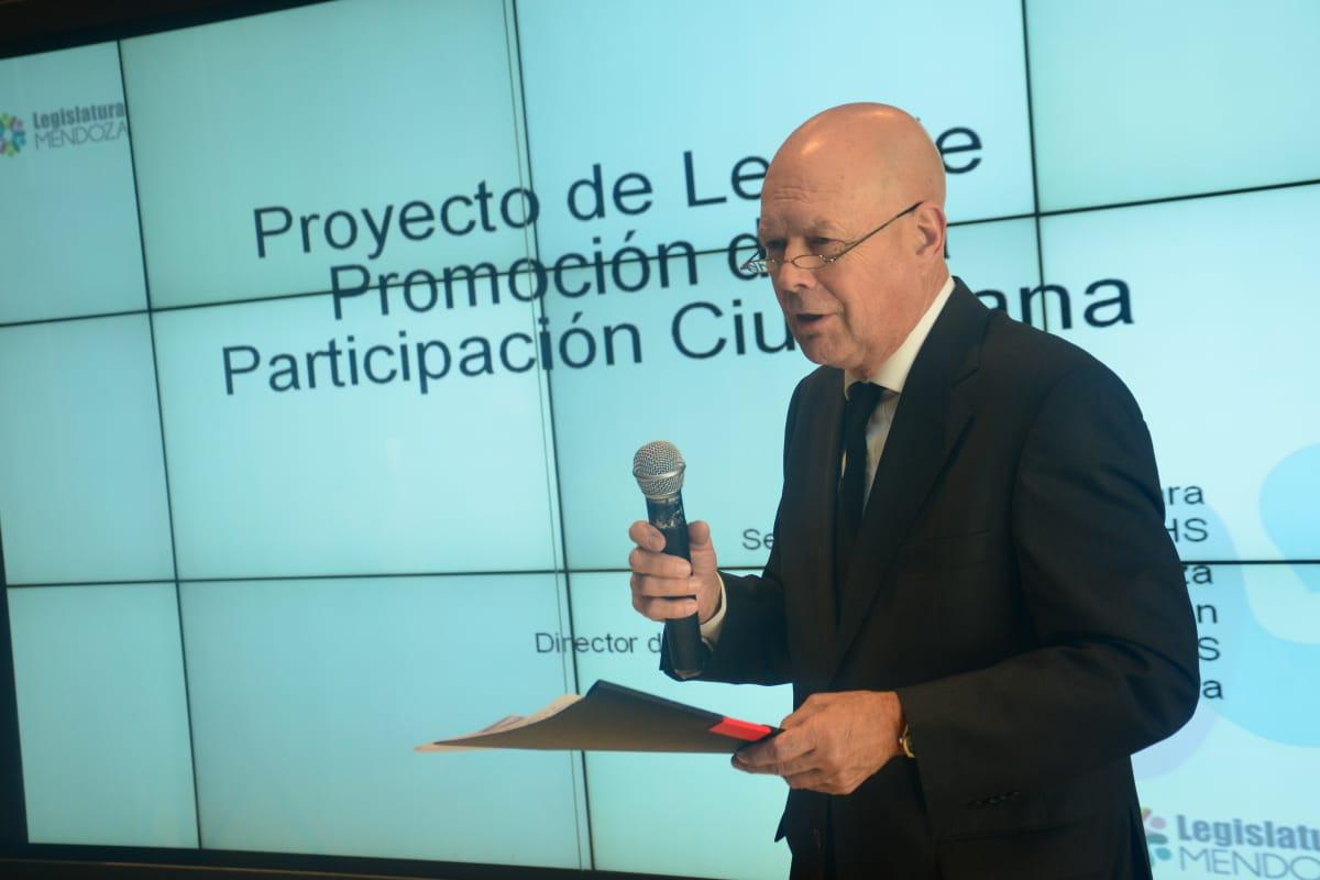 Nuevos aportes de profesores y estudiantes de derecho para la reforma de la Constitución de Mendoza
