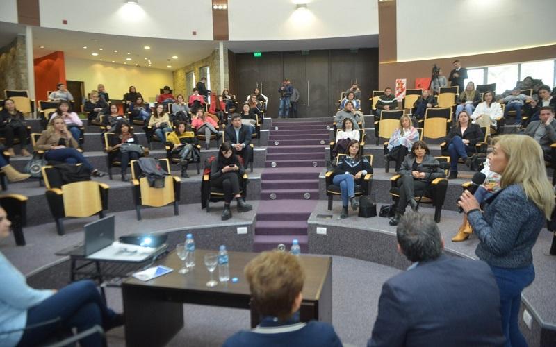 """III Asamblea por la Equidad en San Martín : """"Las mujeres logran mayor capacitación porque estudian más"""""""